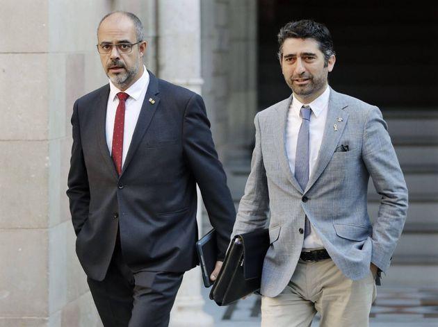 El 'conseller' de Interior, Miquel Buch, y el de Políticas Digitales, Jordi Puigneró, a su llegada a...
