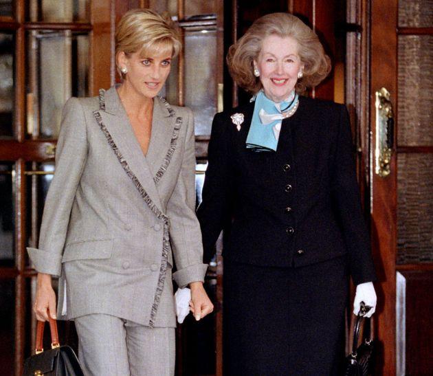 Lady Diana aveva una matrigna cattiva. Per dispetto la buttò giù dalle