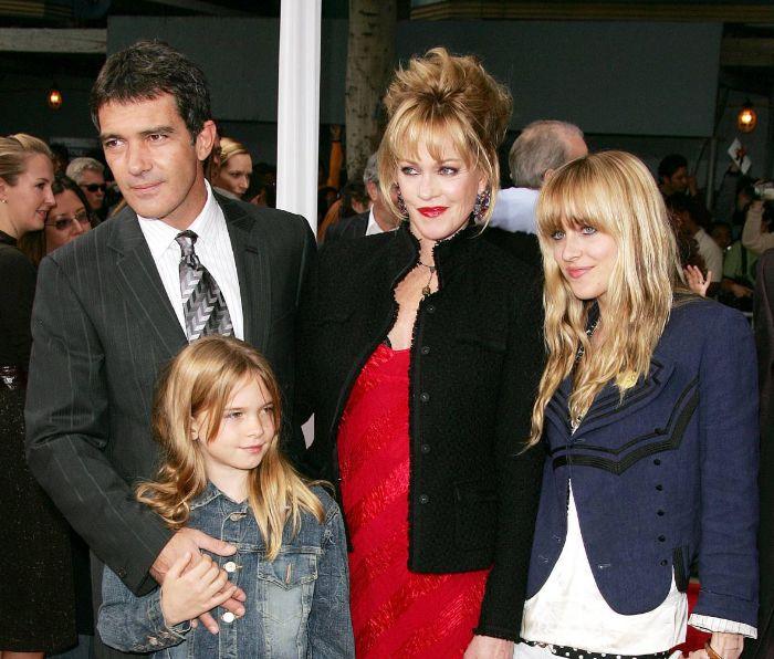 Antonio Banderas, Stella del Carmen, Melanie Griffith y Dakota Johnson en una foto de archivo.