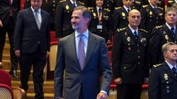 El rey homenajea a la Policía Nacional por su labor