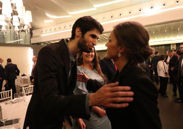 El matemático Xavi Ros con la reina Letizia durante los premios princesa de