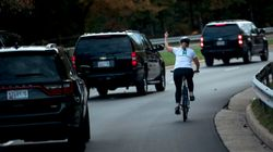 ΗΠΑ: Η ποδηλάτισσα που ύψωσε το μεσαίο δάκτυλο στον Τραμπ εξελέγη στη