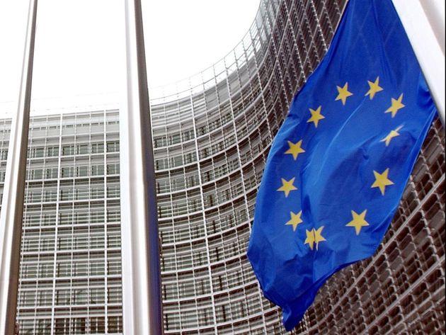 L'Italia frena ancora, ma Bruxelles non disturba il