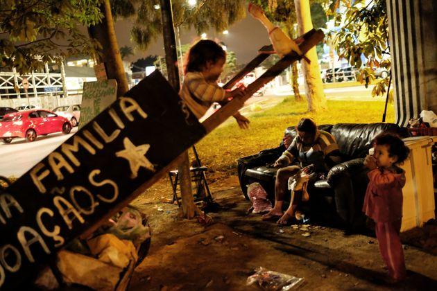 Extrema pobreza bate recorde e atinge mais de 13 milhões de pessoas em 2018, diz