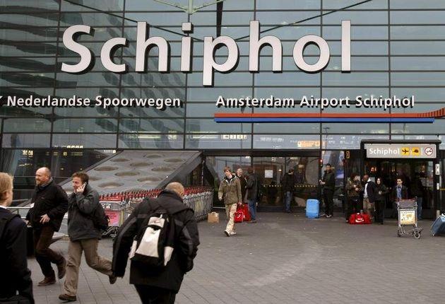 Entrada principal del aeropuerto Schiphol en Amsterdam
