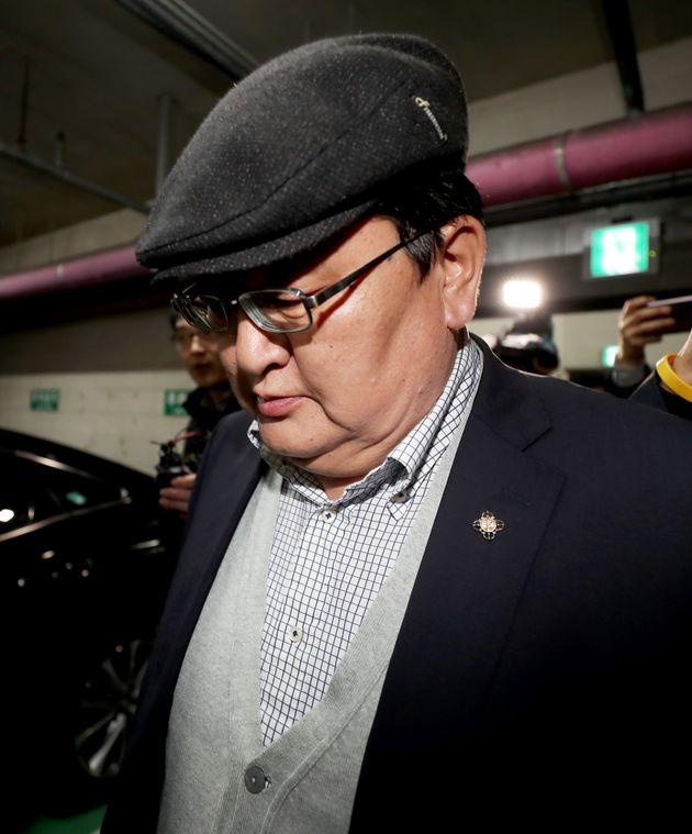 몽골 헌재소장이 14시간 조사 끝난 뒤에도 경찰청 밖으로 나오지 않은 이유
