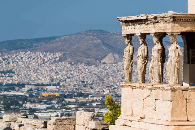 Αισιόδοξα μηνύματα για τον ελληνικό τουρισμό, από το
