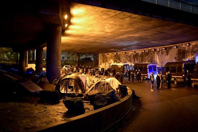 La police a procédé jeudi 7 novembre à l'évacuation de campements porte de...