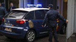 Detenido por encerrar a sus dos hijas de 12 y 15 años en su oficina durante tres