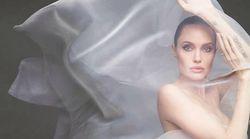 Angelina Jolie pose nue pour le Harper's
