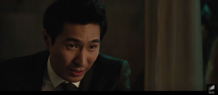 Chris Pang in a scene from Charlie's Angels.