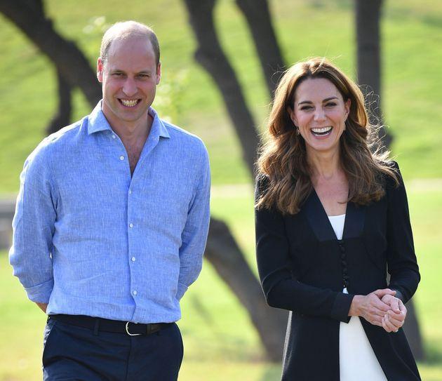 Kate Middleton non accompagnerà William nel nuovo viaggio reale. I tabloid inglesi: