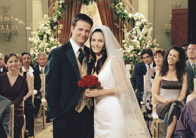 Monica e Chandler di nuovo insieme su Instagram, 15 anni dopo l'ultimo episodio di
