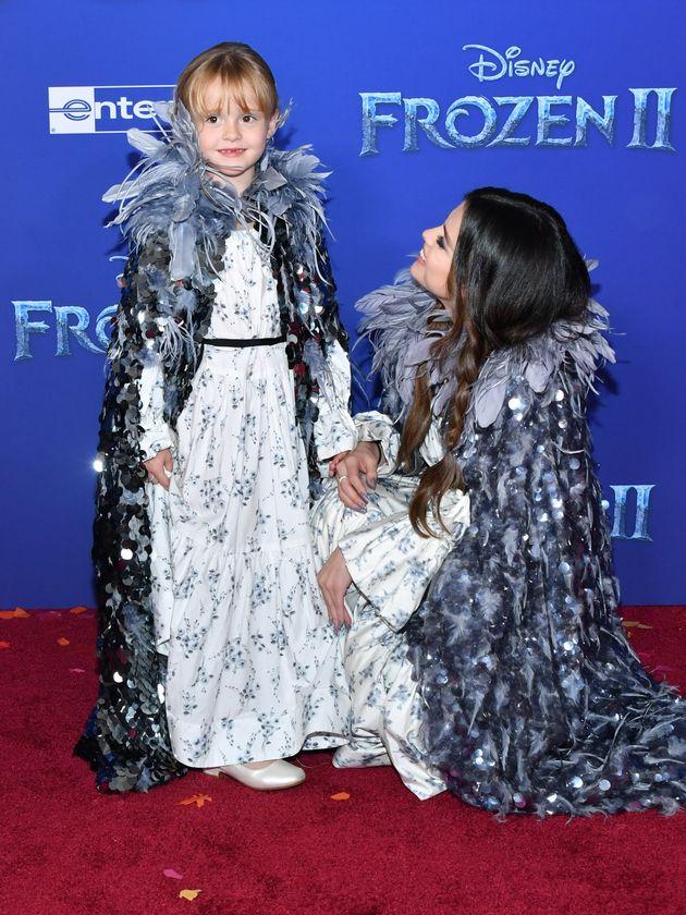 Selena Gomez et sa sœur sur le tapis de