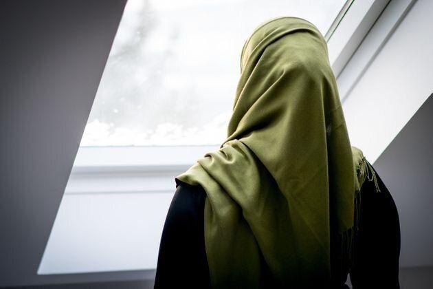 Amnesty déplore le discours du gouvernement français sur le voile et la