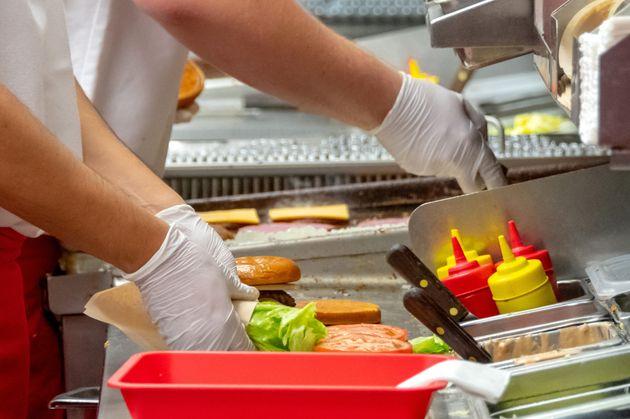 Un arrondissement de Montréal peut restreindre la restauration rapide, confirme un