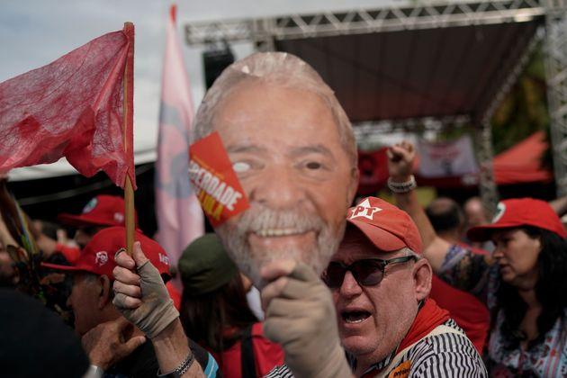 Αποφυλακίστηκε ο πρώην πρόεδρος της Βραζιλίας,
