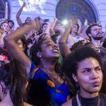 Aliança de Damares com religiosos coloca em risco negros, mulheres e LGBTs, segundo