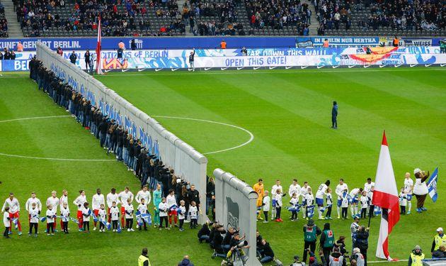 Hertha Berlin-Leipzig: un mur au milieu du stade