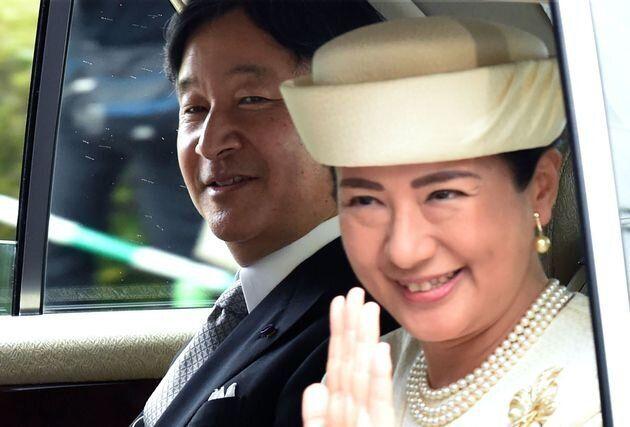皇居に入られる両陛下(2019年5月1日)