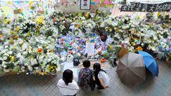 「犠牲を無駄にしない」香港、死亡した男子学生の追悼集会に約10万人