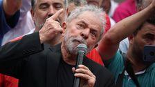 'おとなもこどももおねーさんも':新たに解放されLula設衝突ブラジルの右翼政府