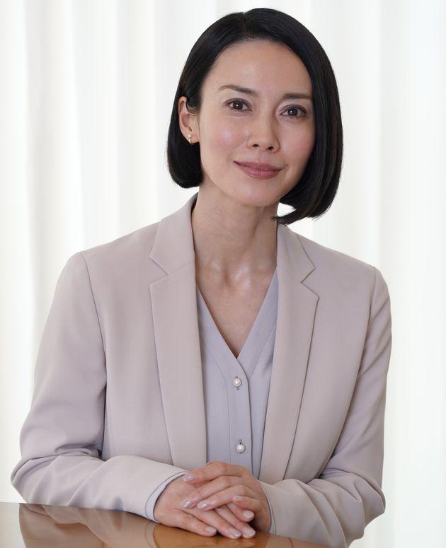中谷美紀(なかたに・みき)さん。1993年の女優デビュー以降、ドラマ、映画、舞台と表現の場を選ばず活躍する実力派女優。現在はパートナーであるヴィオラ奏者のティロ・フェヒナーさんとともに、オーストリアに居を構える