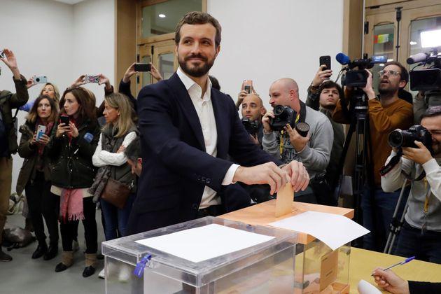 Pablo Casado vota en el Colegio del Pilar de