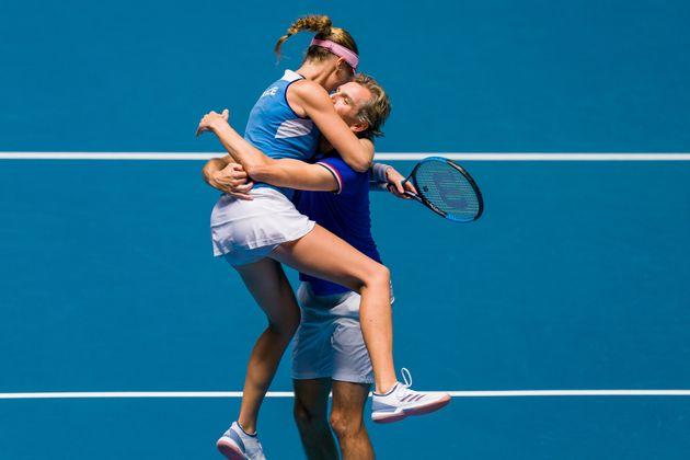 Les Françaises réalisent l'exploit en remportant la Fed Cup en Australie (photo de Mladenovic...