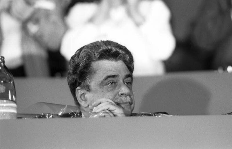 12/03/1990 CONGRESSO DEL PCI NELLA FOTO ACHILLE OCCHETTO CHE PIANGE PER L'AVVENUTO CAMBIO DEL SIMBOLO...