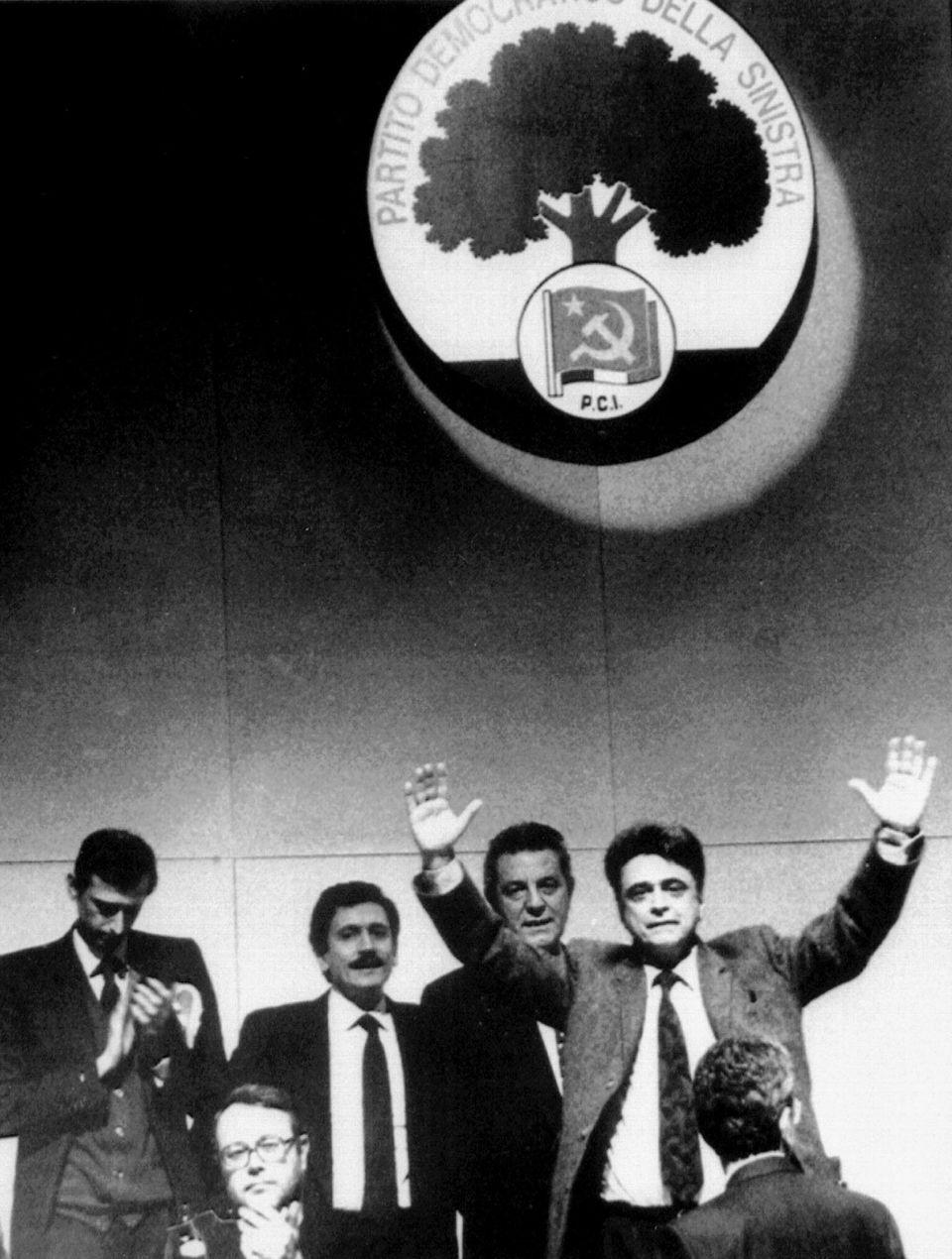 Achille Occhetto con Massimo D'Alema e Piero Fassino in un'immagine d'archivio del 3 febbraio 1991 a...