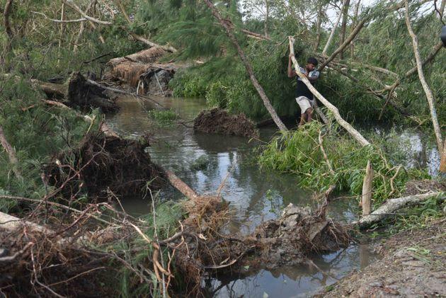 Τουλάχιστον 20 νεκροί από τον κυκλώνα Μπουλμπούλ σε Ινδία και