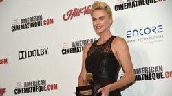 La carrière «audacieuse» de Charlize Theron honorée par