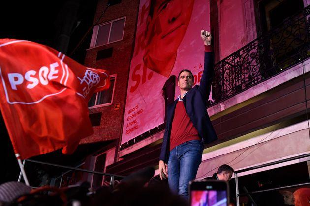 Espagnol du Premier ministre par intérim et candidat à l'élection des partis socialistes ...