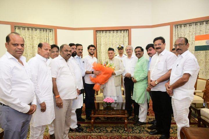 Shiv Sena leaders meet Maharashtra Governor.
