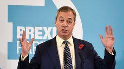 Βρετανία: Ο Φάρατζ αποσύρεται από 317 έδρες για χάρη του