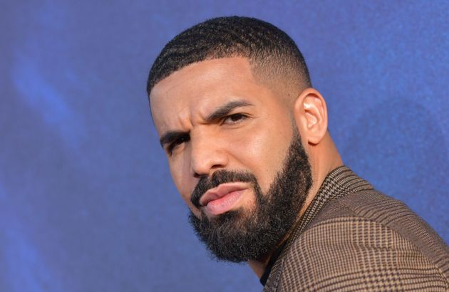 Drake hué... pour avoir été choisi comme invité mystère d'un
