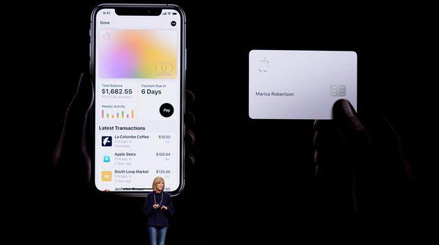 ARCHIVO - En imagen de archivo del 25 de marzo de 2019, Jennifer Bailey, vicepresidenta de Apple Pay,...
