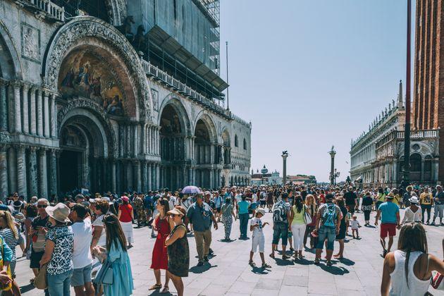 Οι τουρίστες που δεν θέλει