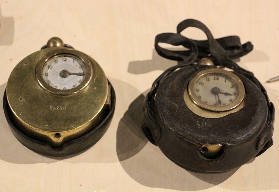 Μηχανικό ρολόι παρουσίας...