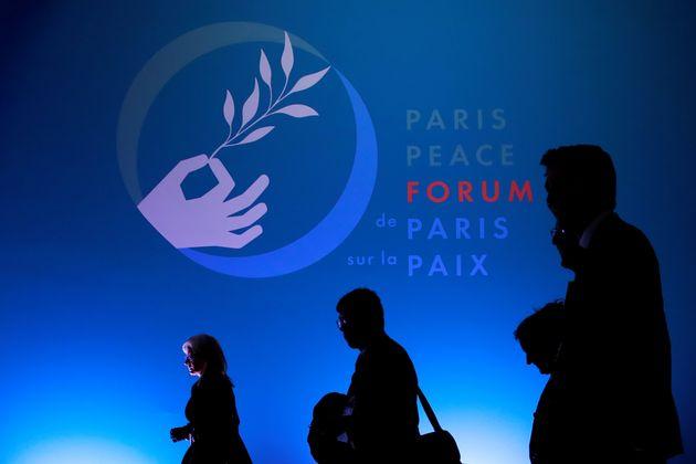 Une trentaine de dirigeants attendus au 2e Forum de Paris sur la Paix (ici l'affiche du premier forum,...