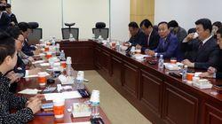 자유한국당이 의원직 총사퇴 카드를 또