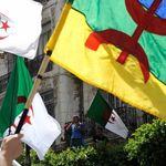 Port du drapeau berbère: 5 détenus acquittés par le tribunal de Bab El
