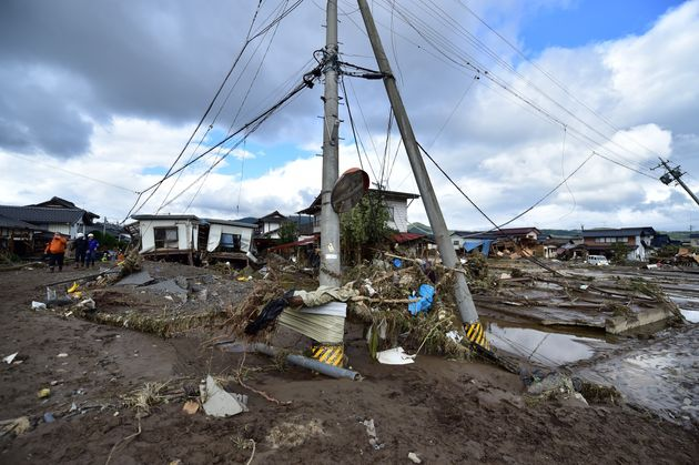 台風19号の影響で河川の堤防が決壊した付近の被害の様子 長野県 2019年10月15日撮影