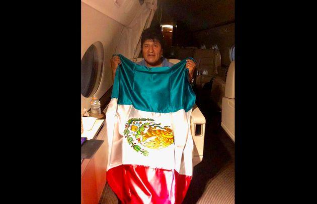 """Morales lascia la Bolivia, trova asilo in Messico: """"Ma"""