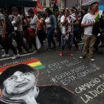 Bolivie: Morales dans un avion pour le