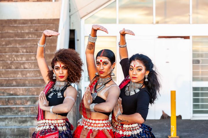Shyamla put together a South Asian dance group called Bindi Bosses alongside Ragavi Ragavan, who is a Sri Lankan Tamil woman, and Jes Subba, who is of Nepalese and Punjabi heritage.