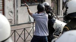 Συνελήφθη φοιτητής για τα επεισόδια στην ΑΣΟΕΕ έξω από το σπίτι