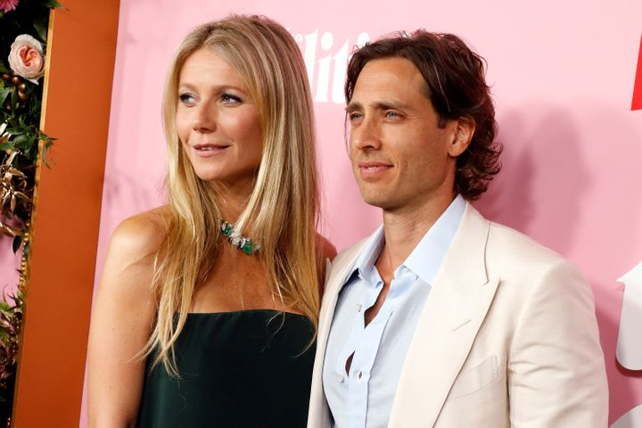 "Cox says that when Gwyneth Paltrow announced she and her husband, Brad Falchuk, <a href=""https://www.huffpost.com/entry/gwyneth-paltrow-brad-falchuk-living-apart_l_5cfe8ae0e4b04e90f1cd3cb6"">had been living apart</a>, searches for the term, &ldquo;living apart together&rdquo; quadrupled.&nbsp;"
