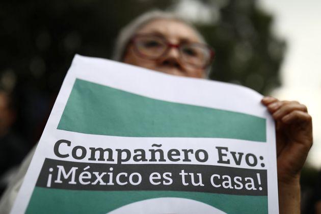 Evo Morales deixa Bolívia e parte para asilo no
